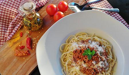spaghetti e ragu fatto in casa ricetta più buona del mondo