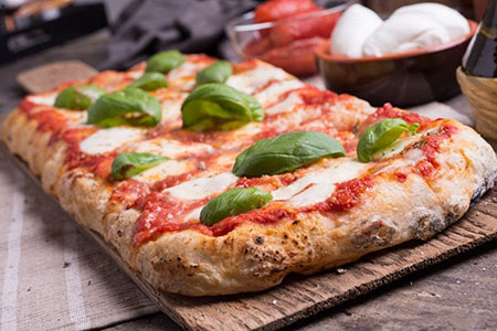 electric pizza oven in baking pan